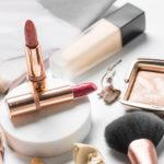 Wir erklären in diesem Beitrag, warum es so wichtig ist, Schadstoffe in konventioneller Kosmetik zu vermeiden.